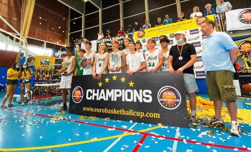 HU16 vann Euro Basketball Cup i Barcelona!
